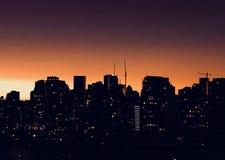 Paesaggio urbano di notte della siluetta di Vancouver fotografia stock