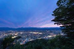 Paesaggio urbano di notte di Fukushima fotografie stock libere da diritti