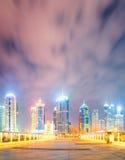 Paesaggio urbano di notte di Schang-Hai Fotografie Stock