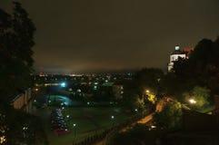 Paesaggio urbano di notte di Lublino, Polonia fotografie stock