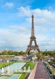 Paesaggio urbano di Parigi con la Torre Eiffel. immagine stock libera da diritti