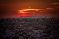 Paesaggio urbano di Phoenix, Arizona durante il tramonto Immagini Stock Libere da Diritti