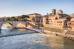 Paesaggio urbano di Roma con il fiume del Tevere Fotografia Stock Libera da Diritti