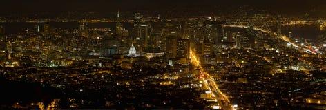 Paesaggio urbano di San Francisco a panorama di notte Fotografia Stock Libera da Diritti