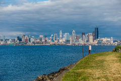 Paesaggio urbano di Seattle da Alki Beach Fotografia Stock Libera da Diritti