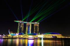 Paesaggio urbano di Singapore alla notte, Singapore - 17 gennaio 2015 Immagine Stock Libera da Diritti