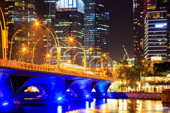 Paesaggio urbano di Singapore alla notte, Singapore - 17 gennaio 2015 Fotografie Stock