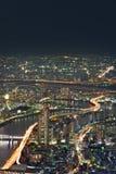 Paesaggio urbano di Tokyo alla notte fotografia stock