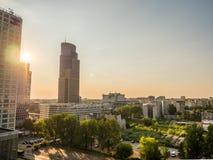 Paesaggio urbano di Varsavia durante il tramonto Immagini Stock