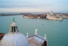 Paesaggio urbano di Venezia da San Giorgio Maggiore fotografia stock libera da diritti