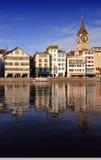 Paesaggio urbano di Zurigo - chiesa di St.Peter fotografia stock libera da diritti