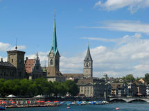 Paesaggio urbano di Zurigo in estate immagine stock libera da diritti