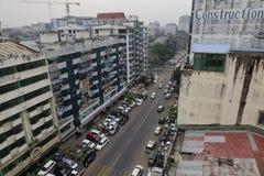 Paesaggio urbano e costruzioni a Mandalay immagini stock libere da diritti