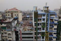 Paesaggio urbano e costruzioni a Mandalay fotografie stock libere da diritti