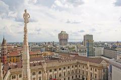 Paesaggio urbano, Milano, dal tetto della cattedrale Immagine Stock