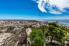 Paesaggio urbano panoramico di Almeria con le pareti di Alcazaba & di x28; Castle& x29; Fotografia Stock