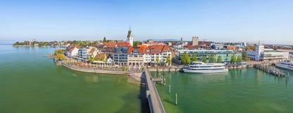 Paesaggio urbano panoramico di Friedrichshafen, Germania Fotografie Stock Libere da Diritti