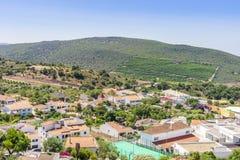 Paesaggio urbano pittoresco di Alte in colline di Algarve, Portogallo immagini stock libere da diritti