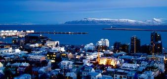 Paesaggio urbano Rejkavik Islanda e baia Fotografie Stock