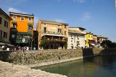 Paesaggio urbano Sirmione, Italia Fotografia Stock
