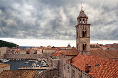 Paesaggio urbano tempestoso di Ragusa, Croazia Immagine Stock Libera da Diritti