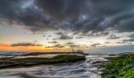 Paesaggio variopinto dell'oceano del Laguna Beach Fotografie Stock