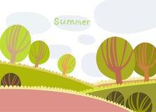 Paesaggio variopinto di estate con gli alberi e le nuvole Immagine Stock