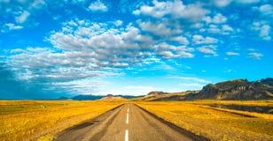 Paesaggio variopinto e selvaggio islandese ad estate Fotografia Stock