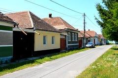 Paesaggio verde nella Transilvania Vista del villaggio Racos Fotografie Stock Libere da Diritti