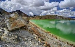 Paesaggio verde smeraldo del lago, parco nazionale di Tongariro Immagini Stock Libere da Diritti