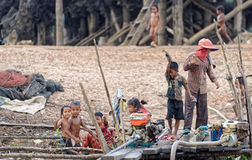 Paesani in linfa di Tonle, Cambogia Fotografia Stock