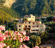 Paesino di montagna Deia in Mallorca Immagine Stock