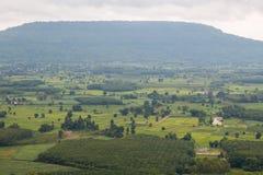Paesino di montagna del paesaggio della valle Fotografia Stock