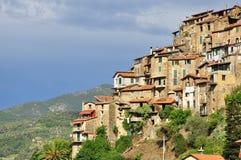 Paesino di montagna di Apricale, Liguria, Italia Immagini Stock Libere da Diritti