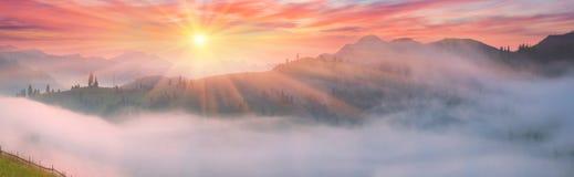 Paesino di montagna di estate Fotografie Stock