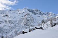 Paesino di montagna di inverno delle alpi di Alagna Fotografie Stock