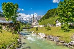 Paesino di montagna di Ramsau, terra di Berchtesgadener, Baviera, Germania Fotografia Stock