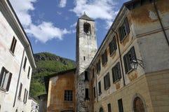 Paesino di montagna italiano di Chiavenna Immagine Stock