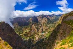 Paesino di montagna in Madera Portogallo fotografia stock