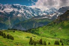 Paesino di montagna Murren, Svizzera Fotografie Stock Libere da Diritti