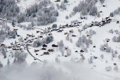 Paesino di montagna svizzero Immagini Stock