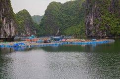 Paesino di pescatori di galleggiamento Immagine Stock
