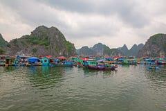 Paesino di pescatori di galleggiamento Fotografia Stock Libera da Diritti