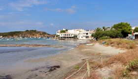 Paesino di pescatori di es Grau su Minorca in Spagna Immagini Stock Libere da Diritti