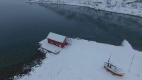 Paesino di pescatori in Lofoten stock footage