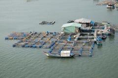 Paesino di pescatori lungo del galleggiante del figlio, figlio lungo, Hai lungo Immagini Stock