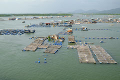 Paesino di pescatori lungo del galleggiante del figlio, figlio lungo, Hai lungo Fotografia Stock Libera da Diritti