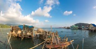 Paesino di pescatori sui trampoli del colpo Bao Village Isola di Koh Chang, Fotografie Stock