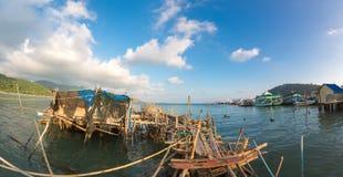 Paesino di pescatori sui trampoli del colpo Bao Village Isola di Koh Chang, Fotografia Stock