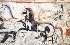 Paestum, affreschi antichi fa la guerra biga nella tomba di Magna Greece immagine stock